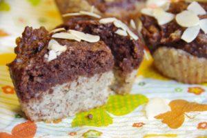 Zweifarbige Muffins mit Banane (Eine-Kohlenhydrateinheit-Muffins)