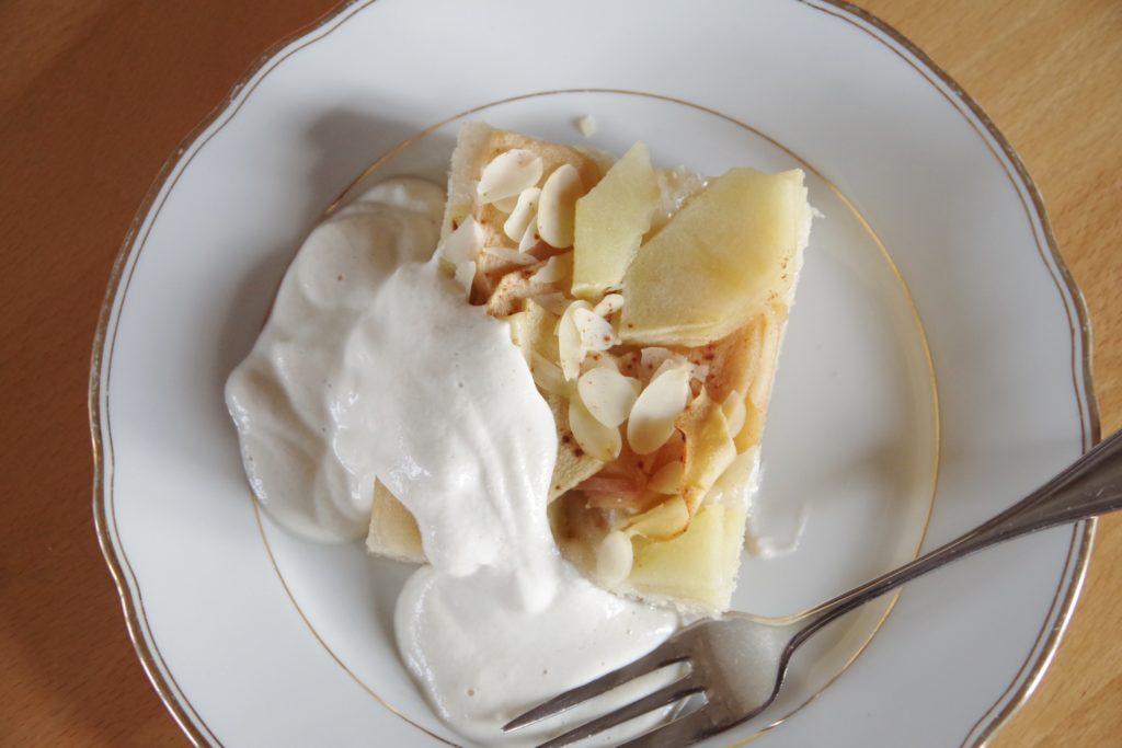 Apfelkuchen mit Mandelcreme