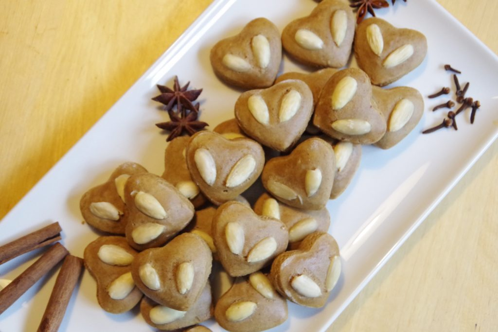 Rezept für vegane Lebkuchen Lebkuchenherzen ohne Zucker