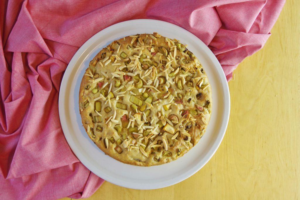 zuckerfreier Rhabarberkuchen