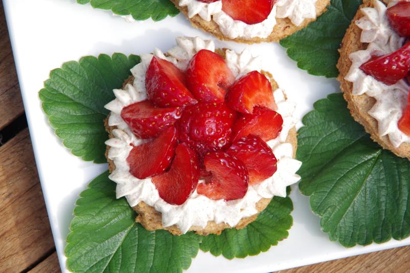 Erdbeertörtchen ohne zugesetzten Zucker